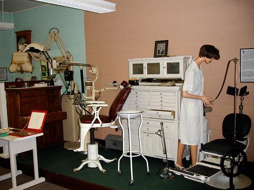 dentist-instruments