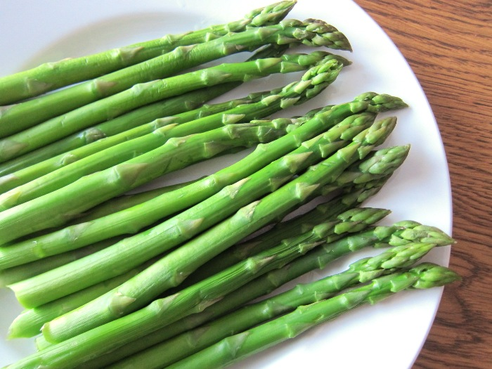 Asparagus – Natural Benefits and Uses